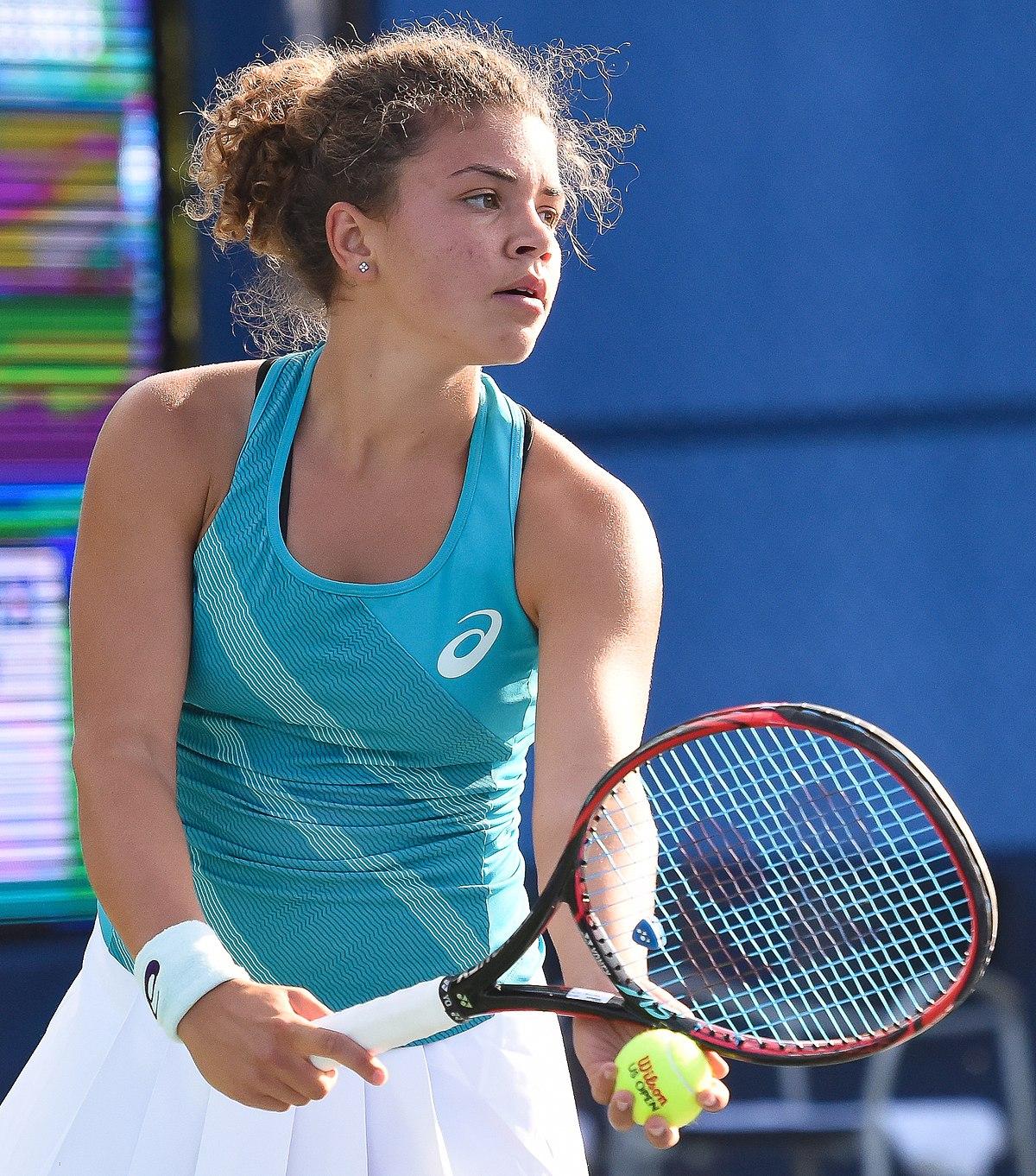 Fed Cup Italia-Spagna 1-1: Sara Errani domina la Arruabarrena